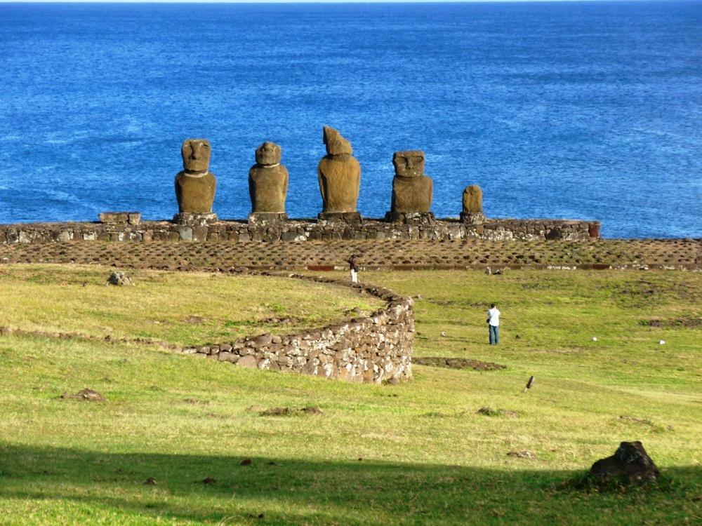 Peru and Easter Island 585