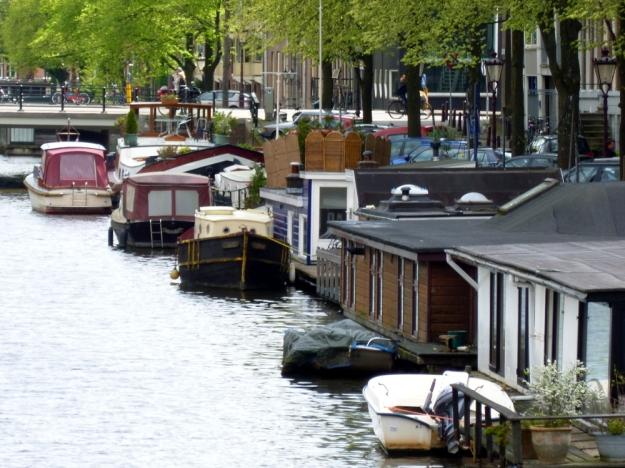 Houseboat from bridge