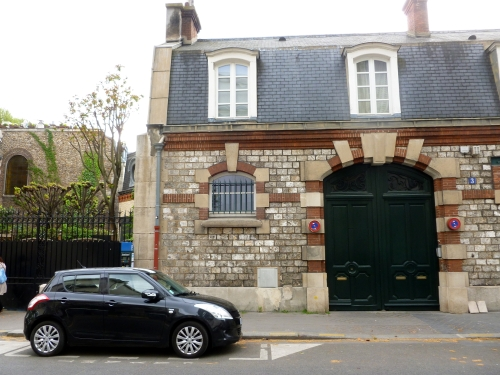 Across from Palais Japonais