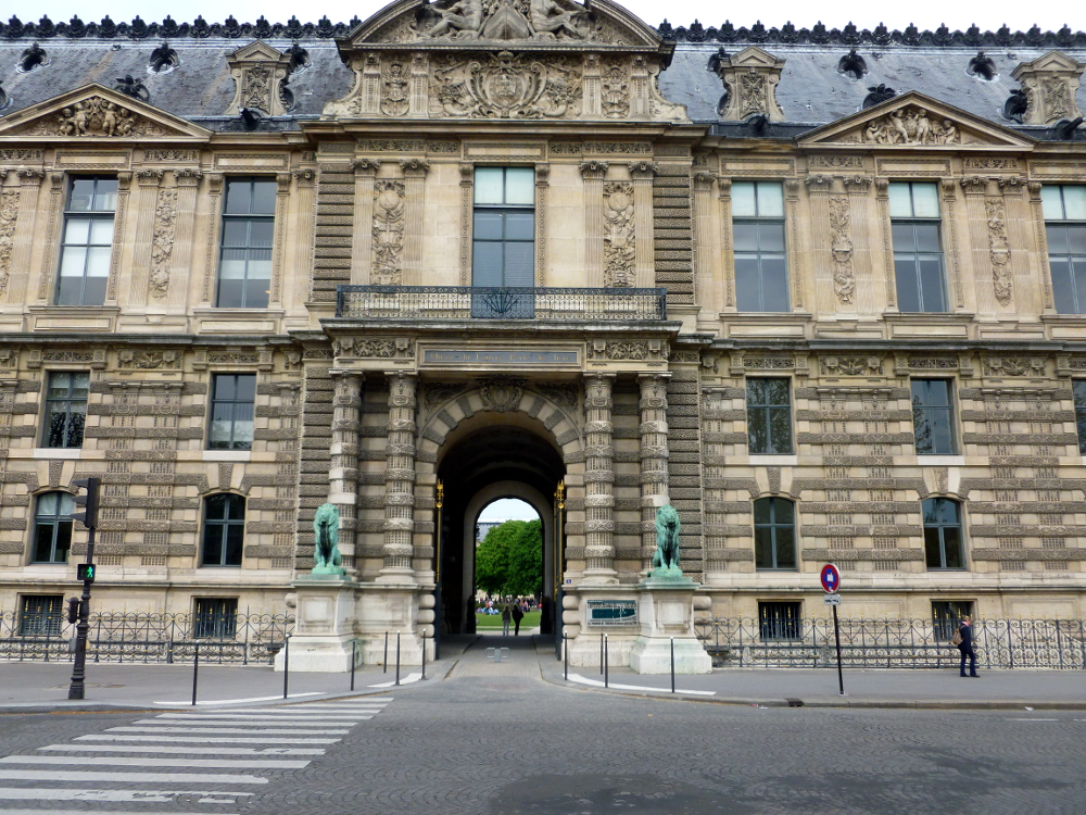 Entry to Louvre Palace from water front