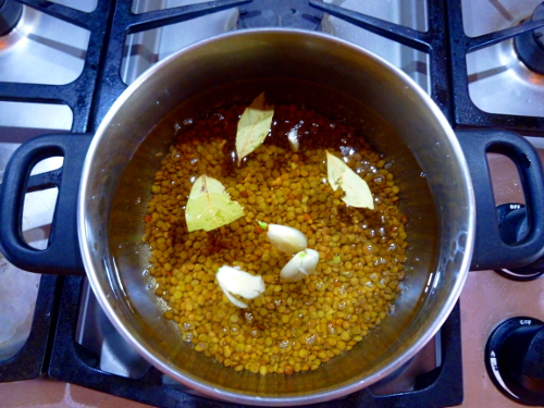 Getting started: Bay leaves lentils and garlic