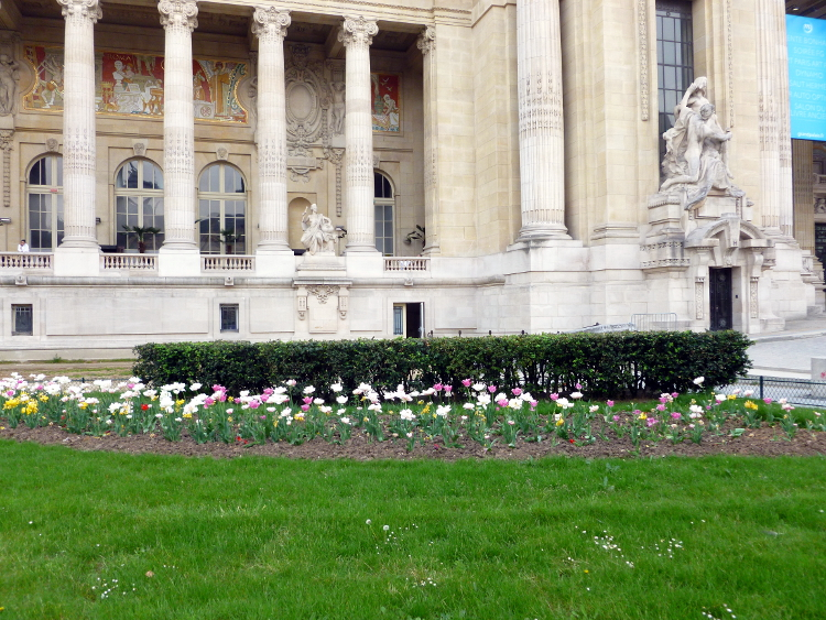 Corner of the Grand Palais (I think)