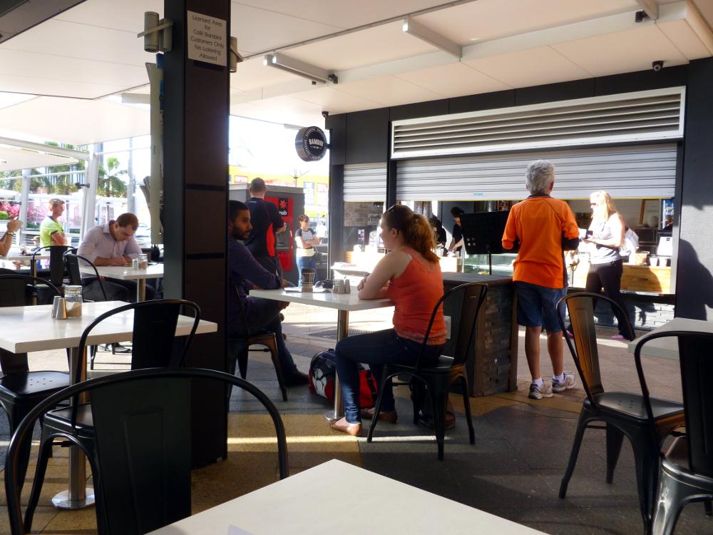 Bambinis sidewalk cafe