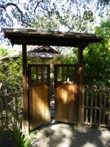 hakone-gardens-saratoga-gate