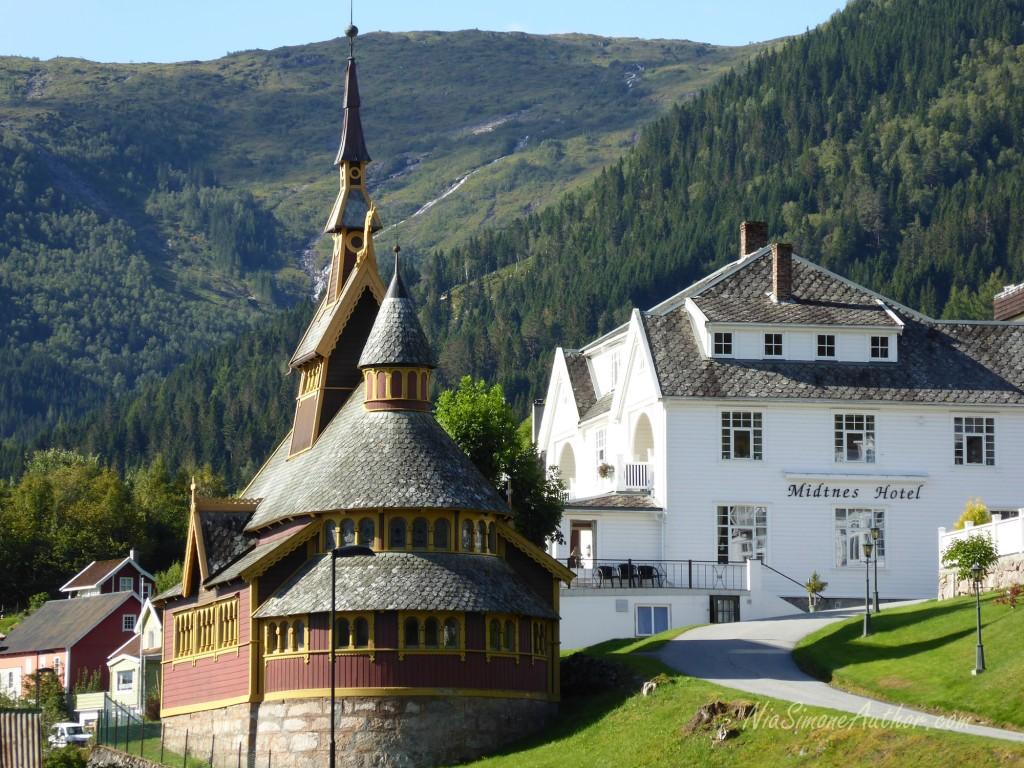 Balestrand-Fjordland-Norway-18