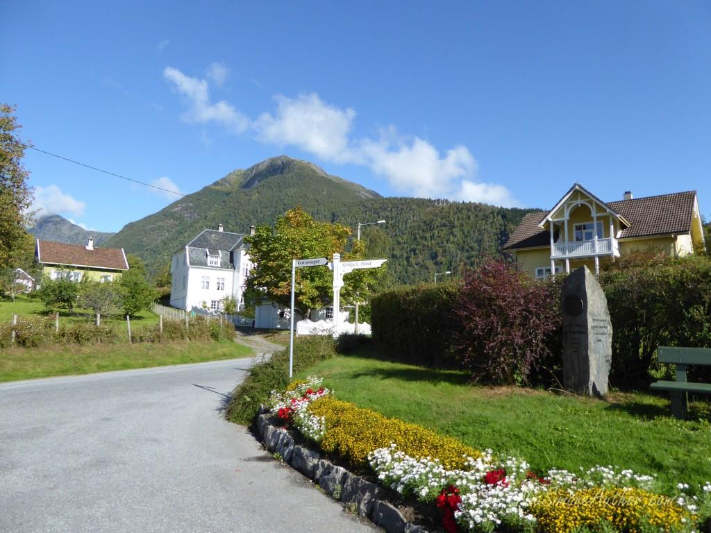 Balestrand-Fjordland-Norway-19